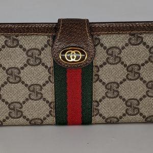Gucci Bags - Gucci Phone Holder & Bi-fold Wallet 2pc Set Mint❣️